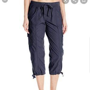 NWT Calvin Klein women's size M Capris